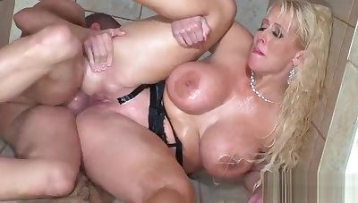 Sexy Horn-mad Wife (Alura Jenson) With Big Boobs Get Sex Before Of Cam vid-02