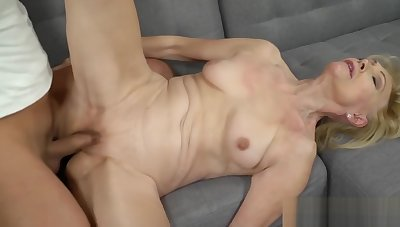 Granny Loves a Obese Hard Cock in Her Pussy