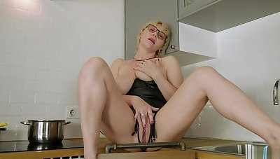 Blondes That Love Glass Dildos Masturbate Solo