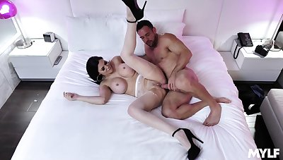 Cougar wife spreads that being the case hunk and deals his dick right