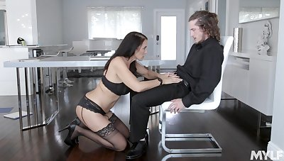 MILF in sexy lingerie gets efficacious with step son's erect savage