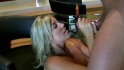 Scatological ash-blonde mom with hefty boobies is inhaling lollipop while property on all fours on the floor and property screwed