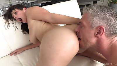 Sensual Latina Mom La Sirena Gets Her Chubby Booty Banged