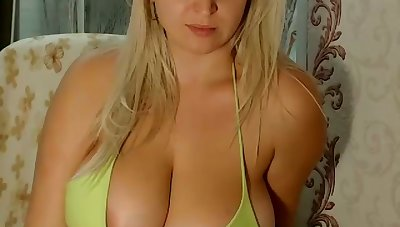 I think I am in love with an increment of in awe of this magnificent busty webcam model
