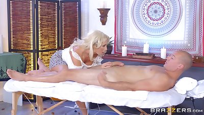 Leggy MILF Olivia Fox savors every second of a pile-driving bonk