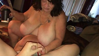 Full-grown sbbw pound and blowing young Hawkshaw