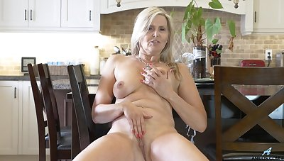Naughty matured Velvet Skye drops her Y-fronts and masturbates