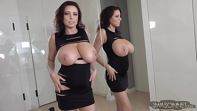 Best looking broad in the beam tits ever - Gorgeous brunette doll Ewa Sonnet