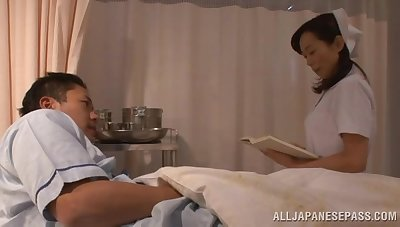 Sensual lovemaking on the hospital bed with a aberrant Asian nurse